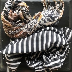 FRANCESCA'S • lightweight scarves • bundle of 2